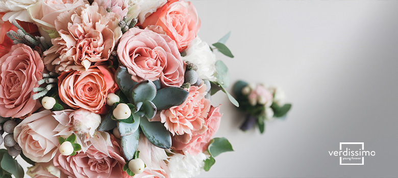 Simple floral arrangements with roses - Verdissimo