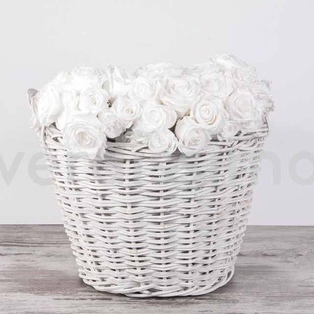 cesta con rosas - verdissimo