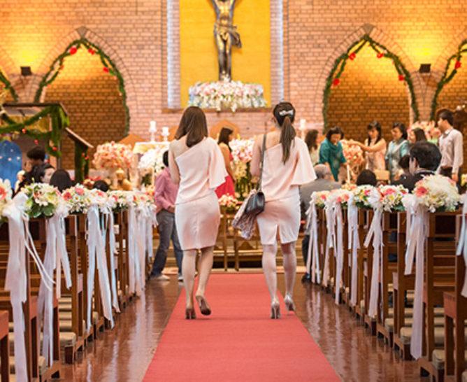 Decoración y arreglos florales para una iglesia - Verdissimo