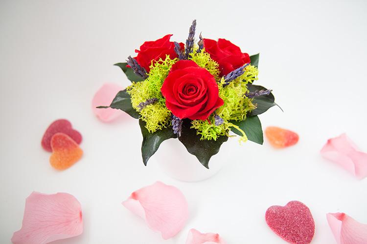Arreglo floral Verdes y flores - Verdissimo
