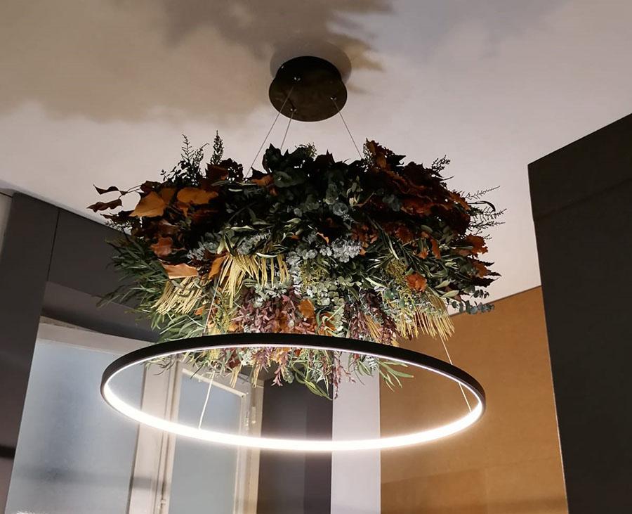 Decoracion con lamparas con flores - Verdissimo