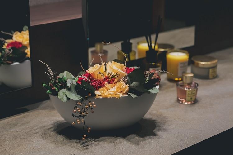 Utilisation de plantes et de fleurs dans la décoration des magasins - Verdissimo